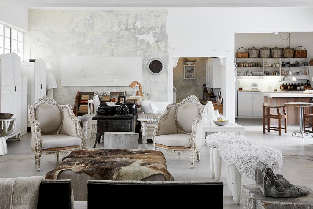 Irvine 15 1024x683 - White Light