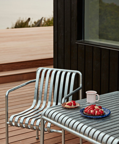 Palissade Dining Armchair Hot Galvanised Palissade Table Hot Galvanised Enamel Mug soft pink - Nyheder i juni