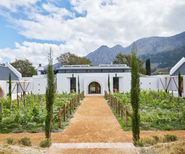 Bureaux House 2 360x300 - Arkitektonisk perle i Cape Town